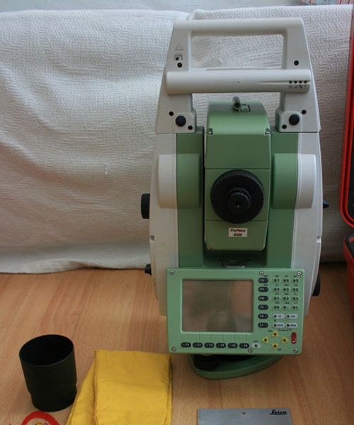 Leica-TCRP-1205-R300.jpg