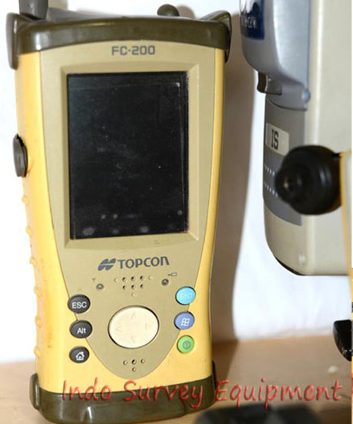 used-Topcon-IS-201-Total-Station-With-FC-200.jpg